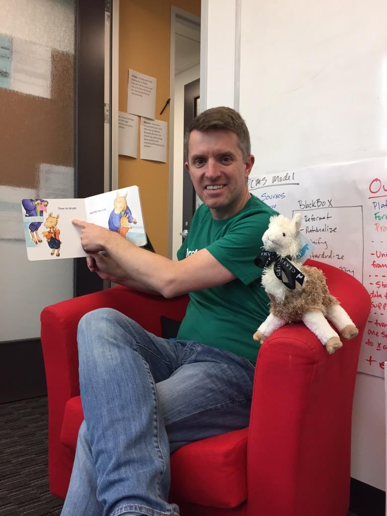 cehassold: reading time @OrderPigeon with some #Imagine2015 giveaways from our partners @classyllama http://t.co/YXxYnmgK44