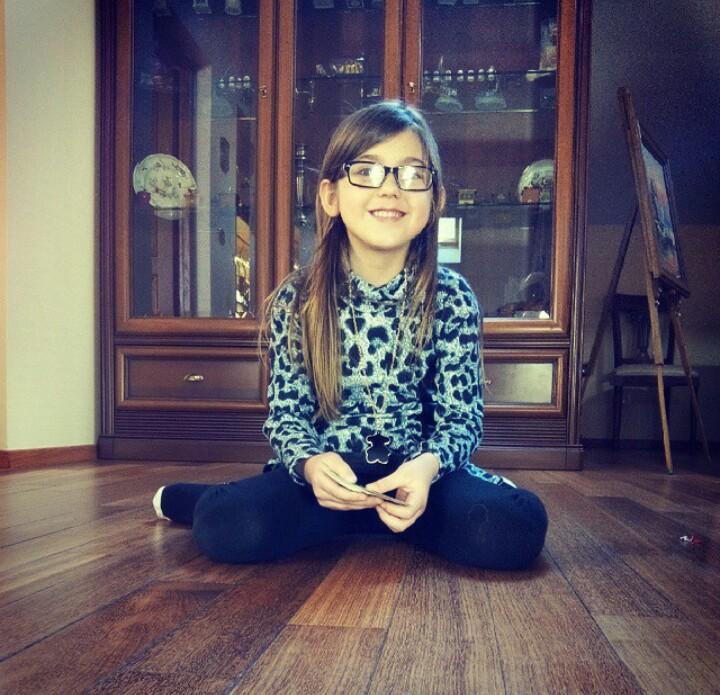 ALERTE ENLÈVEMENT - Voici 2 photos de la petite Berenyss, 7 ans, disparue le 23-04-15 à Sancy, en Meurthe-et-Moselle