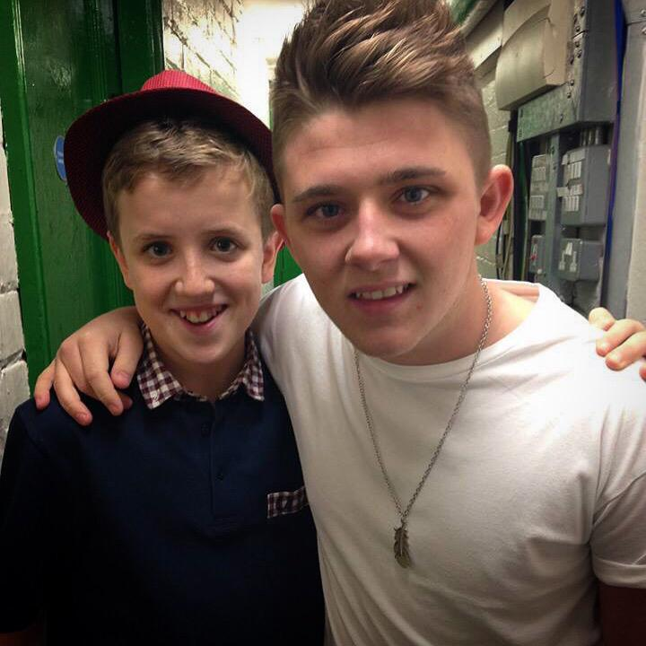 RT @HenryGallagherx: #ThrowbackThursday with @nickymcdonald1 a few months ago at a gig! https://t.co/258MzOH8JW http://t.co/uwSHGfgRhE