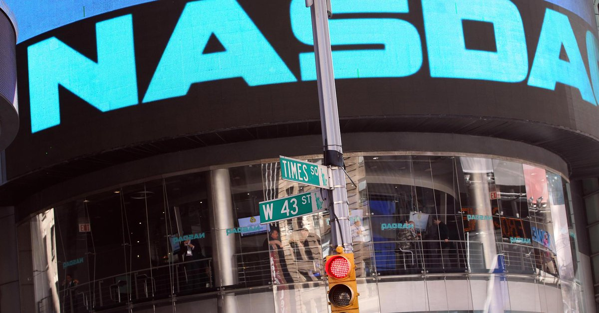 The @NASDAQ  just set a record for the first time in 15 years: http://t.co/HpttPeXaon  #Nasdaq  @Pauwees