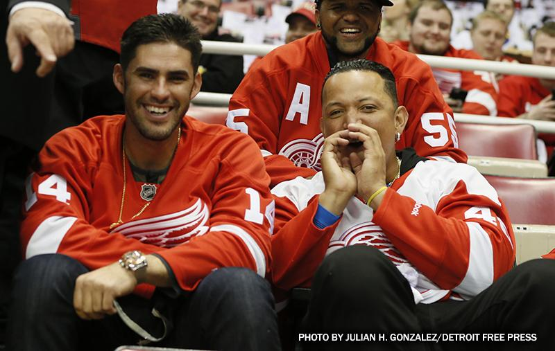 Spotted at Joe Louis Arena: @MiguelCabrera and @JDMartinez14 #DETROITLOVE http://t.co/YuWXXErH72