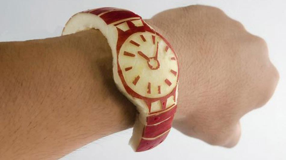 Can't afford an Apple Watch? Here's an alternative http://t.co/YbRVAedg1U