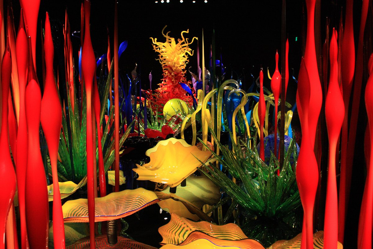 Chihuly Garden & Glass is hosting their first trunk show 4/26! http://t.co/PYVZNKACBk  @ChihulyGG @seattlecenter http://t.co/XyrNBsjB6h
