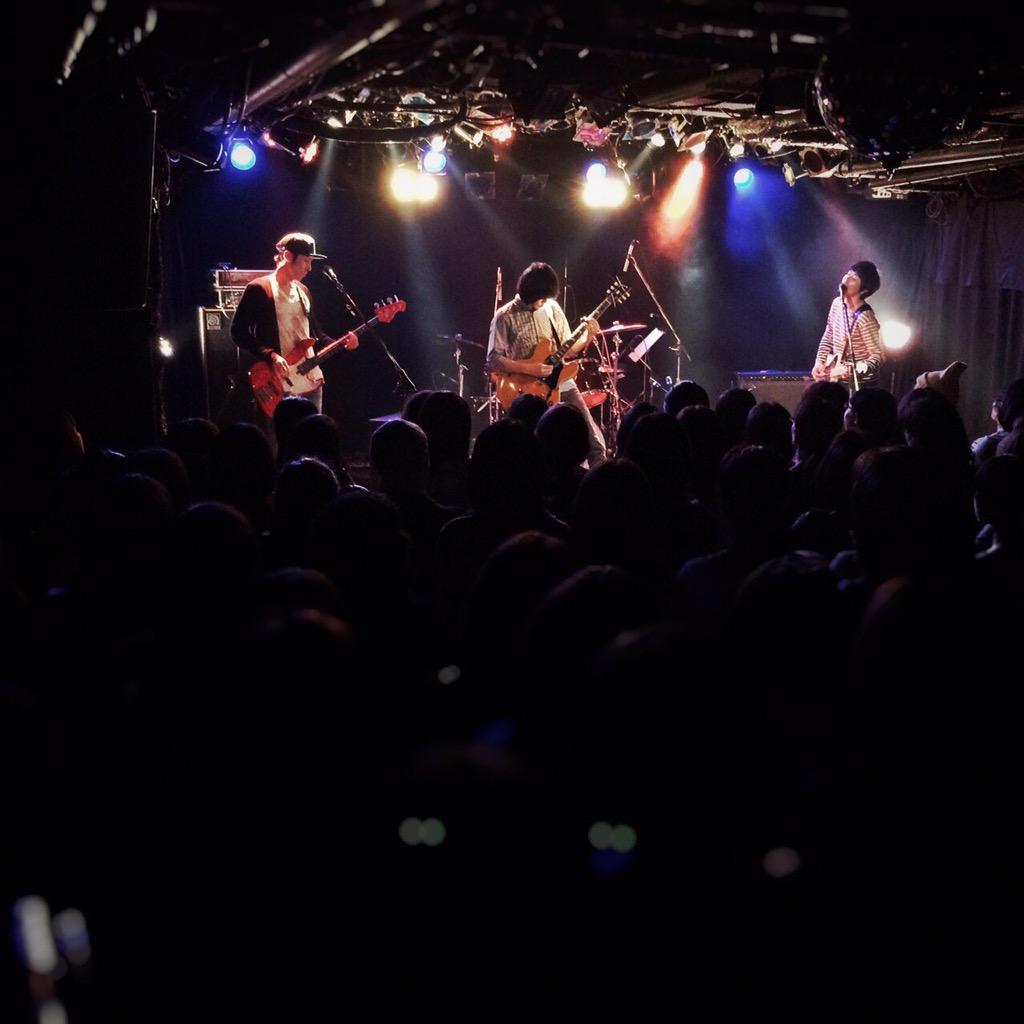 下北沢ライブへお越しのみなさん、ありがとうございました!今日は良いイベントに呼んでいただいて感謝です! http://t.co/NOwbeP0prI
