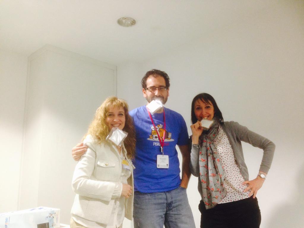 Al acabar el taller con @tuitsdegabriel y @MercedesPache68 #InterpretacionTelefonica #LenguandoIFEMA http://t.co/LMGfrPogKm