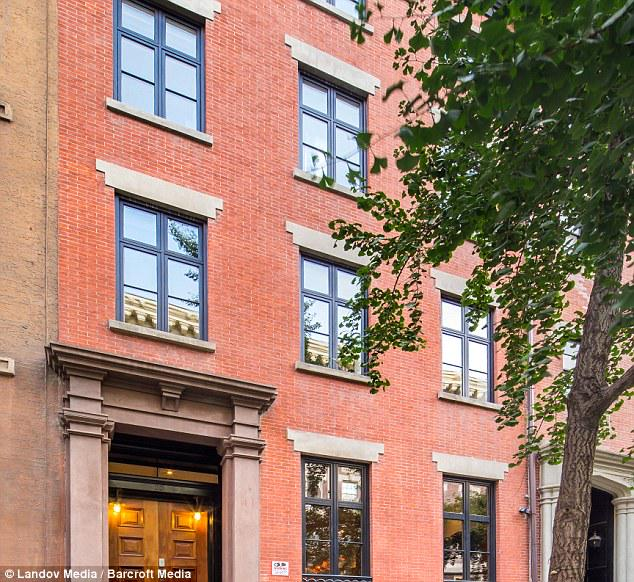 Sold! Sarah Jessica Parker & Matthew Broderick's Manhattan townhouse is finally off the market http://t.co/TXsDIZxkgH http://t.co/vIJvXidMgC