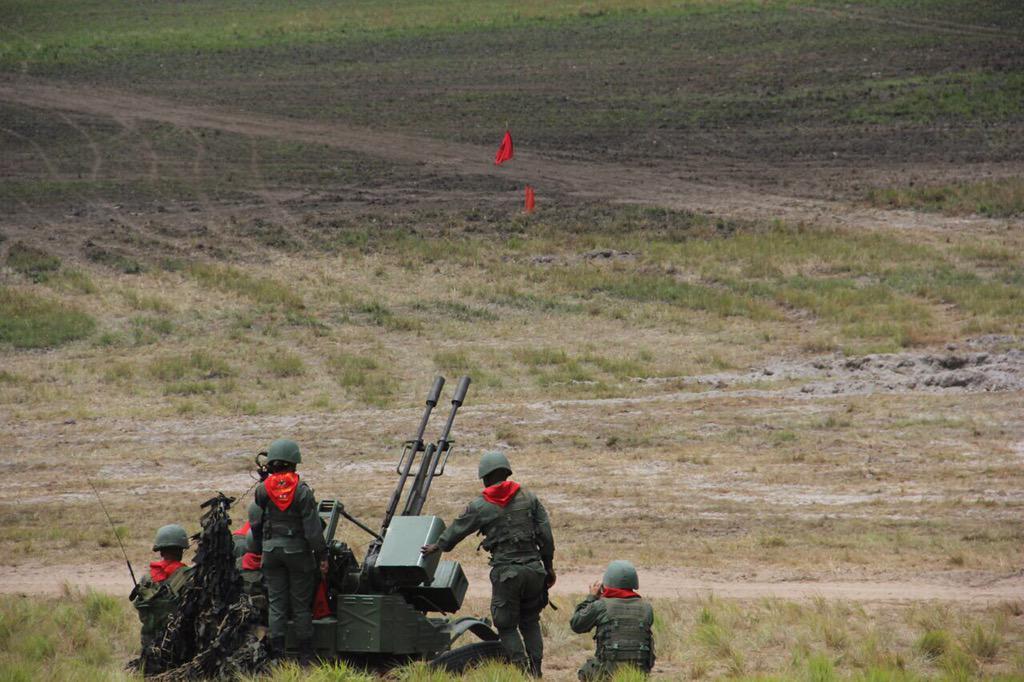 Operaciones Militares de la FANBV CDZfu88WIAIMa6F