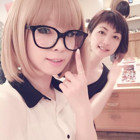 私が普段使い用で買ったもの👓 この写真だと見えないけど、メガネのツルの先がねこあしになってるんだよぉぉぉ😻 かわいいなバカヤロー😻 #facecode  #eyewear #京都