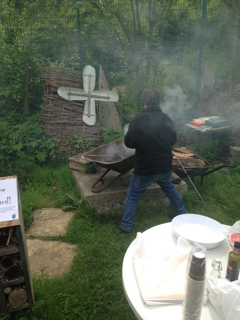 The Philospher's Stove have started a fire here at Stave Hill Eco Park! #soundcamp http://t.co/BCMkWyMMif