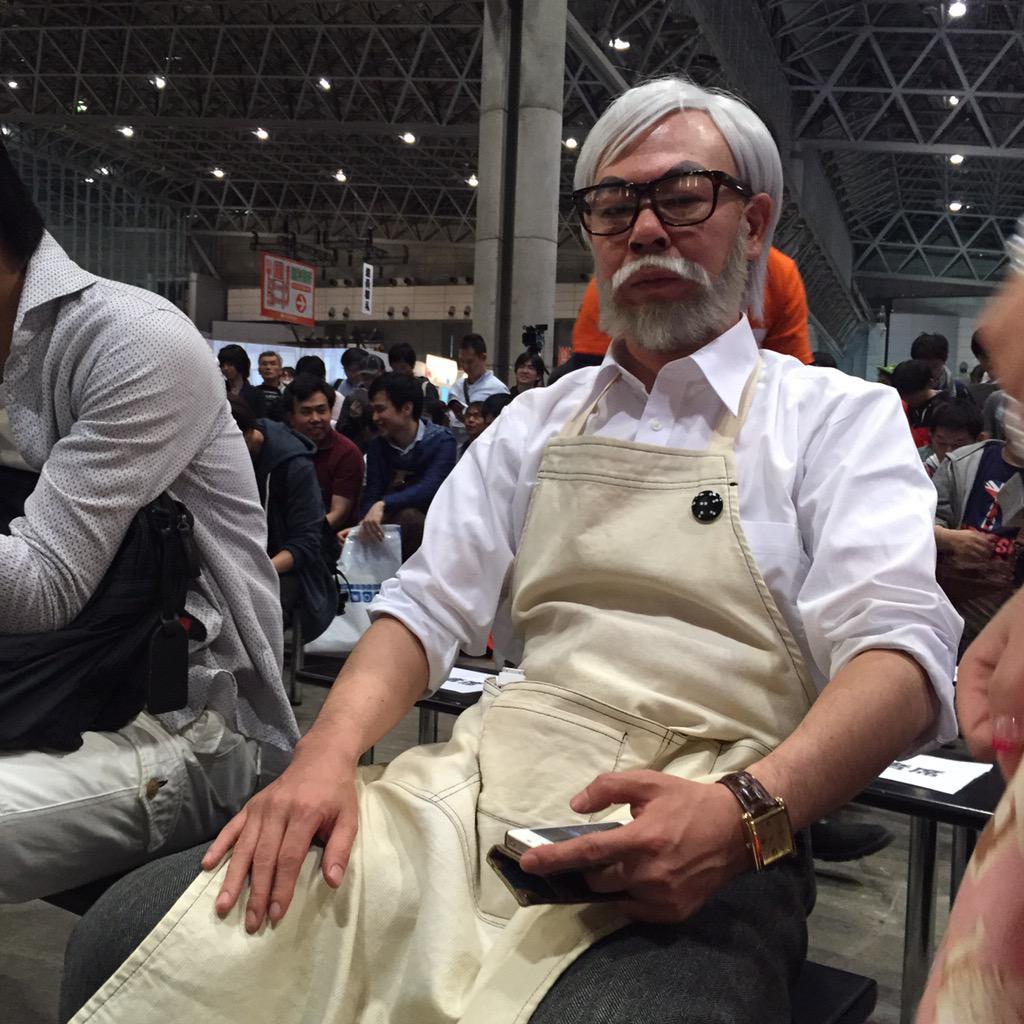 今からはじまる、庵野秀明とかわんごの「アニメの「情報量」とは何か」対談イベントに、パヤオが来てたwwwww  #ニコニコ超会議2015 #ギズモード http://t.co/DwekCqL7yg