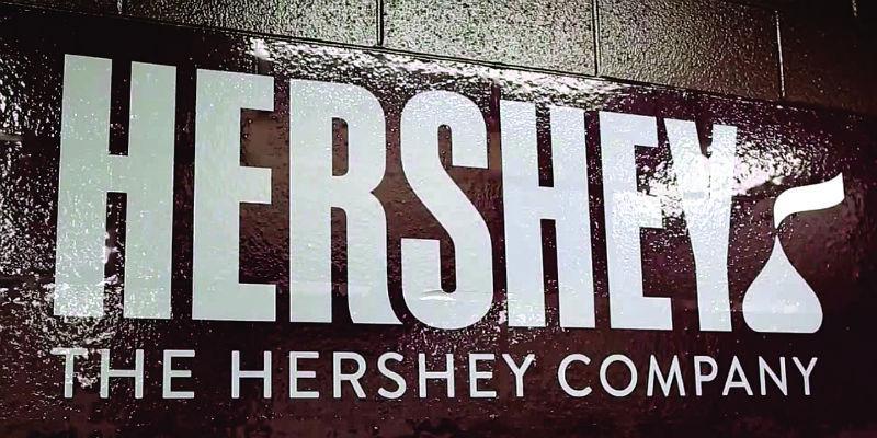 Hershey brings three new agencies aboard http://t.co/fed2SpDHpW by @ejschultz3 http://t.co/k5RdPczhOr