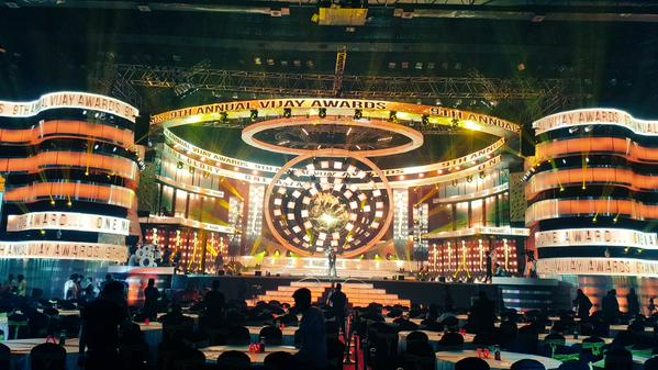 Vijay Awards 2015 event irks celebrities, ends up with controversies