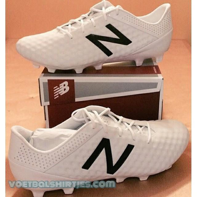 white new balance boots