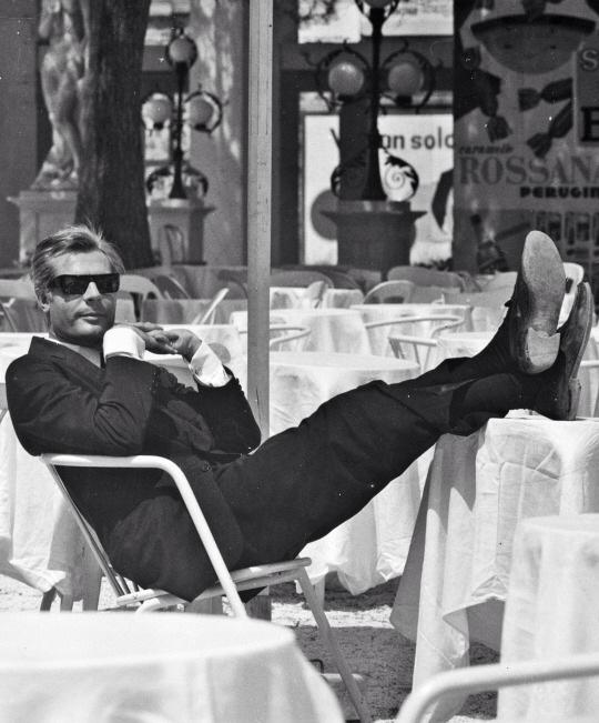 """Distracted Film on Twitter: """"BEST THING SINCE SLICED BREAD: Marcello  Mastroianni. 81/2 (1963). http://t.co/vMDOJvUS4n"""""""