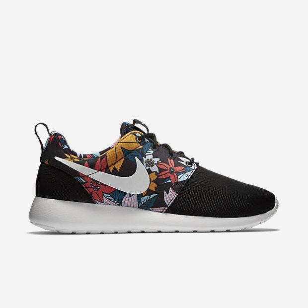 db39a79d13ad Nike Roshe Run Print  Hawaiian Floral  is now available via JJ  http   bit.ly 1z05jUO pic.twitter.com BFh0nqSVkp