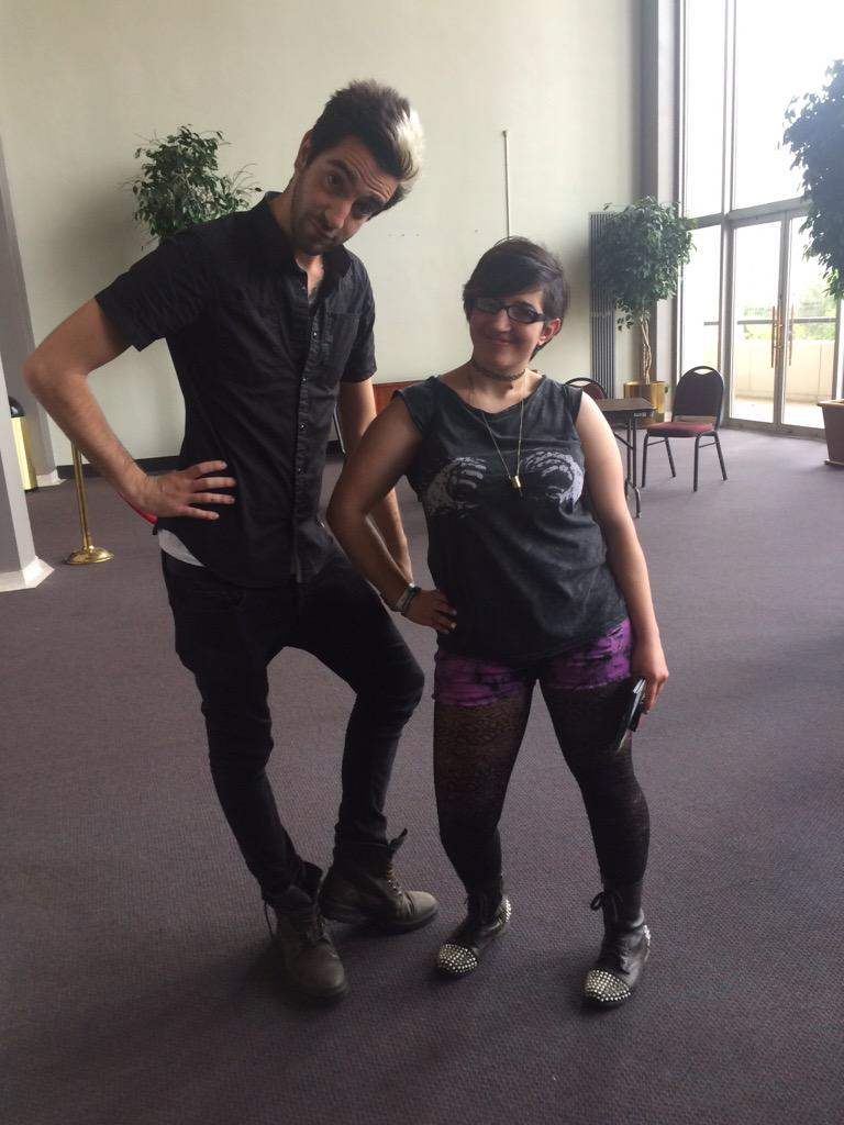 """""""So which pose do you want to do today?"""" """"The one you're doing is cool"""" @JackAllTimeLow http://t.co/rAxEz0QyXQ"""