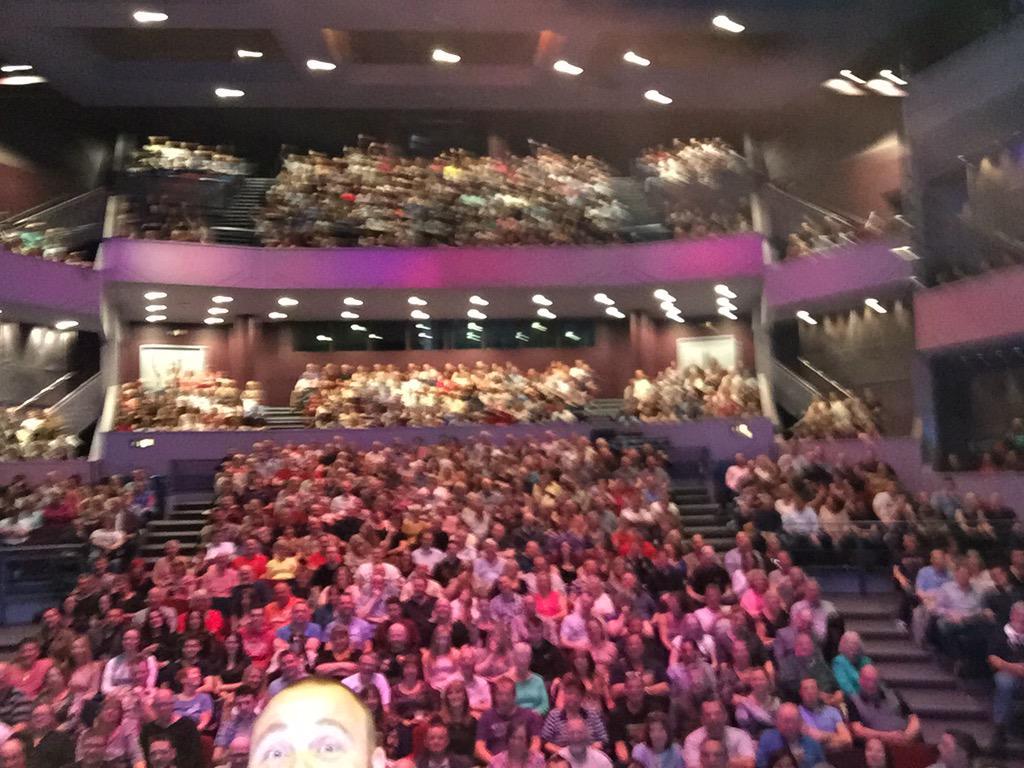 Northampton matinee selfies http://t.co/PlsY5JqC1T