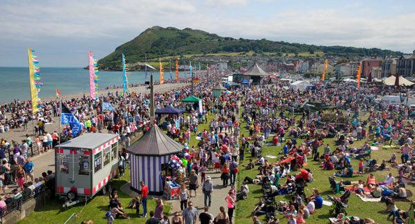 Save @BraySummerfest petition is now online http://t.co/FBknPmh9RF Any RTs would be absolutely deadly @bsfsave http://t.co/uh8zxre176