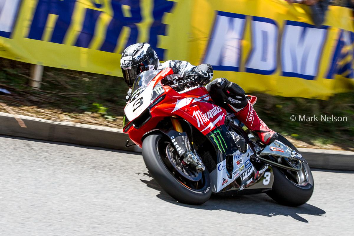 [Road Racing] Cookstown 100 2015 CDdokheWMAAUtpe