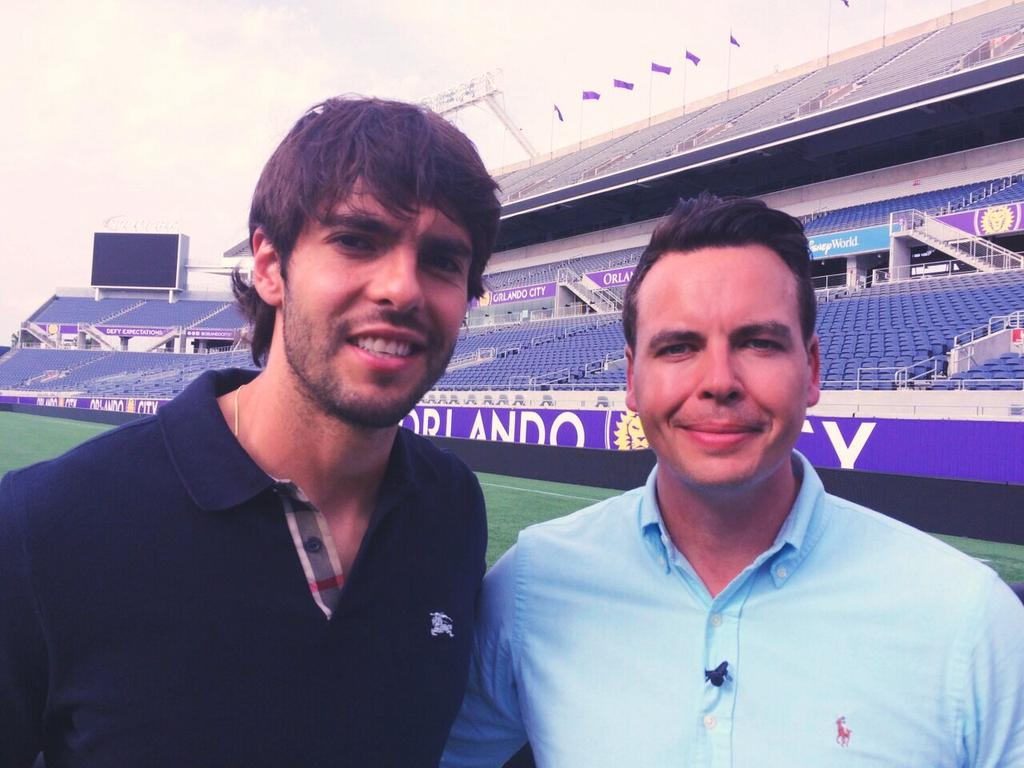 Great to meet the legend @KAKA today. Very nice man. Exclusive interview coming soon to @BBCSport @wsworldfootball http://t.co/ncf8JXot1v