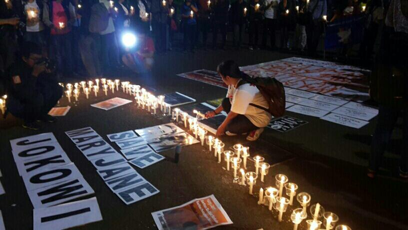 Happening Now!  1000 candles for #MaryJane. The presidential palace, Jakarta. #indonesia. http://t.co/UfTw36QH47