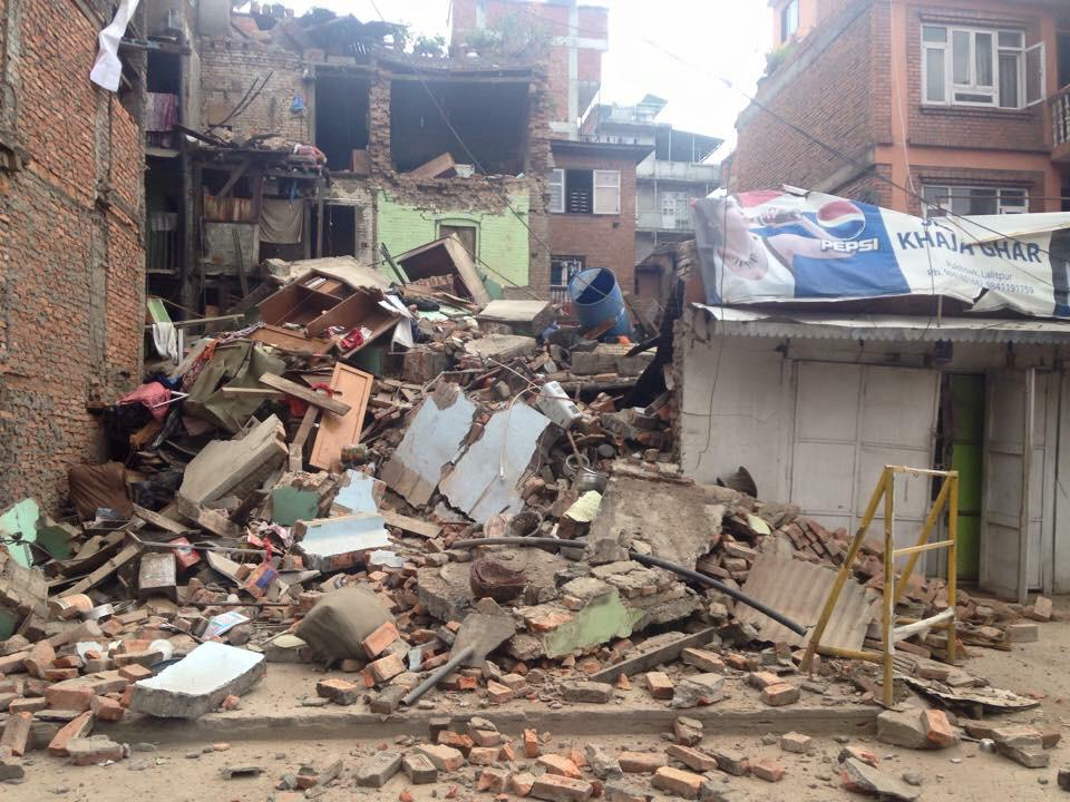 URGENT support needed! Please visit http://t.co/tUEUFFTtLc to make an emergency donation right now. #NepalEarthquake http://t.co/U76XyAU7bs