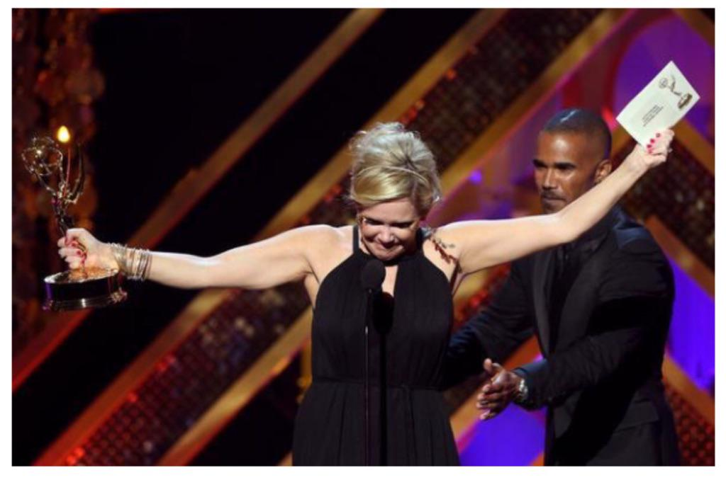 This pic is EVERYTHING. QUEEN @MauraWest best moment of the night. #gh #TEAMAVA #twiceinalifetime http://t.co/HHwOslEodA
