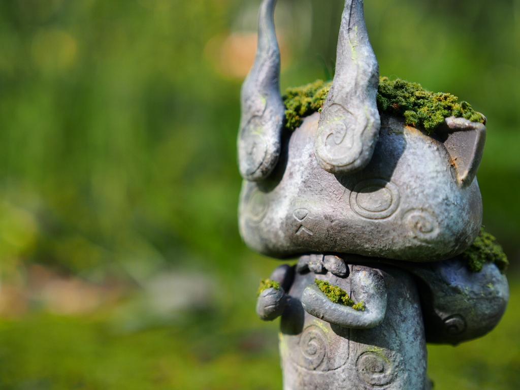 コマさん石像ver. もんげー!おら石像さんになっちまったズラ~。なんちゃって(´∀`;) でも可愛く出来たと思いますー。 pic.twitter.com/4eKVZ3k77f