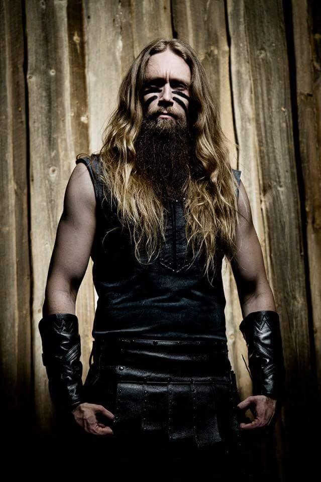 Everyone wish lead bassist/beard enthusiast Mr Sami Hinkka a Happy Birthday! http://t.co/e7crwwcAnp