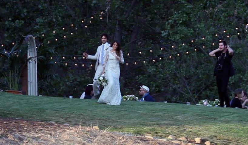 Il filantropo Ian Somerhalder si e' sposato a sorpresa con Nikki Reed e non Nina Dobrev che lascia il set di Vampire Diaries