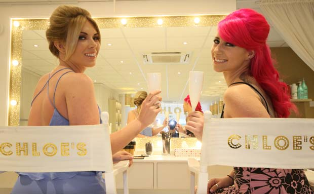 RT @NadzMendoza: Thanks @Chloe_Sims @ChloesBeautyBar for the #TOWIE makeover with @FrankieEssex http://t.co/nYlTituUav http://t.co/TSXqmDhY…