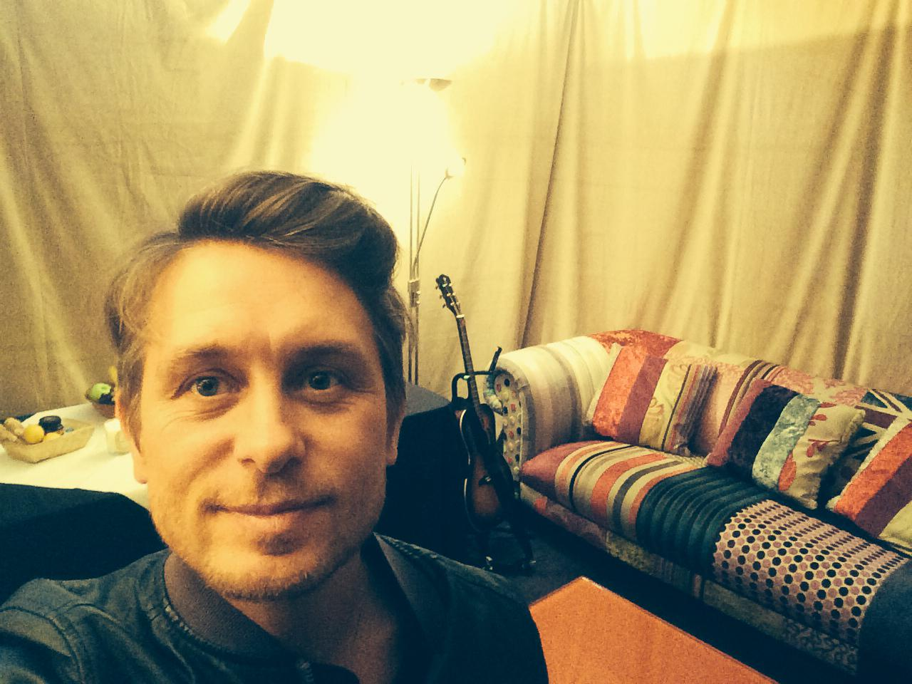 RT @OfficialMarkO: Photo bombing the dressing room!!! Love M.O X  #TTIII http://t.co/QvlOg8Oabm