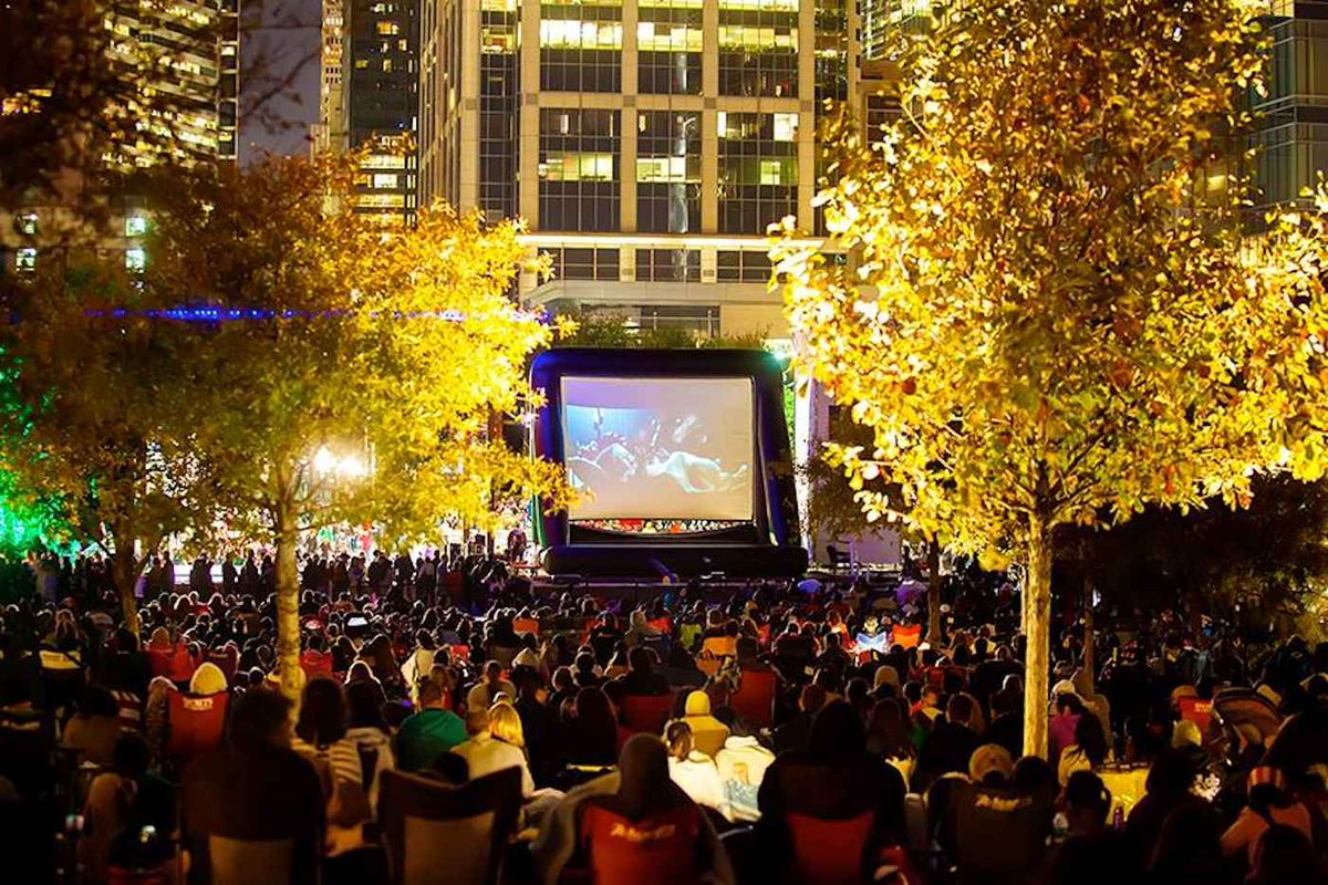 Every Outdoor Movie Screening in Houston, Now in One Calendar: http://t.co/xSvRibgwTR http://t.co/9xFyNq6KZT