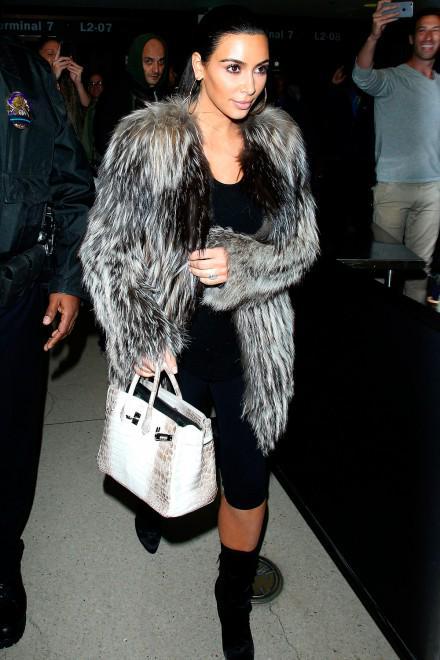 Video: Kim Kardashian talks about Bruce Jenner's gender transition http://t.co/5z8CyrrRAD http://t.co/akByztbpMR
