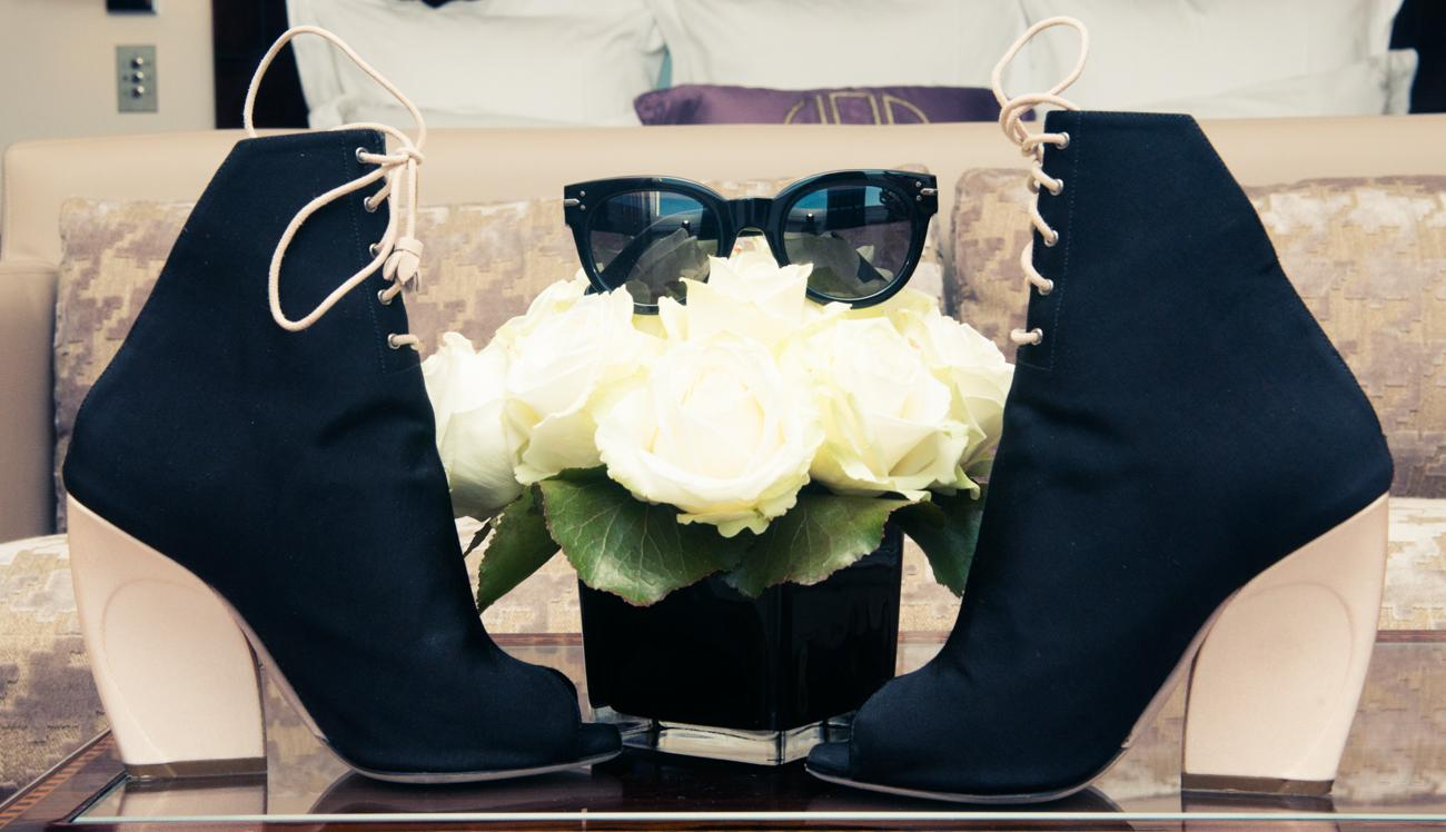 Classic white t-shirts + jeans + boots = @NeginMirsalehi1's wardrobe staples: http://t.co/DcGHIIi6ur http://t.co/nKa9xmL66F