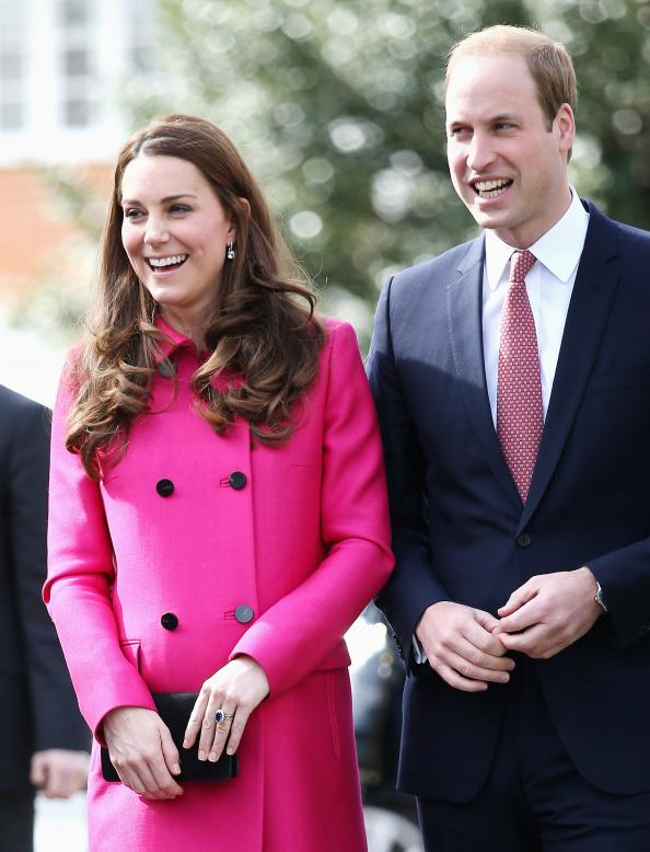 Kate Middleton and Prince William will announce the birth of the Royal Baby on Twitter: http://t.co/Dg0VmLwTWN http://t.co/9aOcZ5ODJM