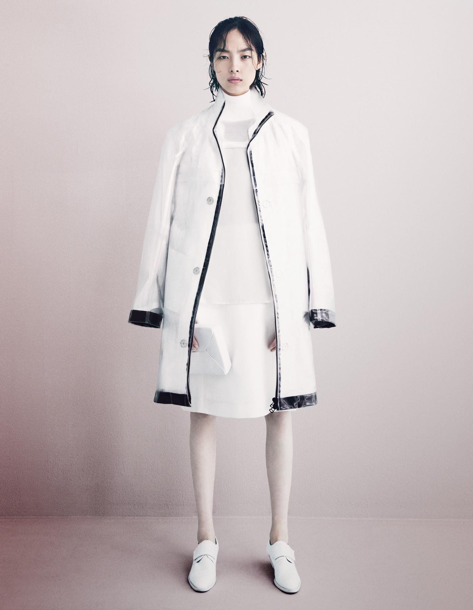 Embrace the wet look in the spring rain: http://t.co/RJMY599SK1 http://t.co/kxWRqmyJo4