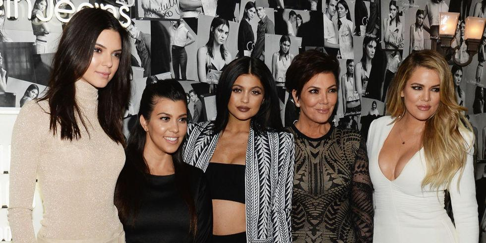"""Why the latest episode of """"KUWTK"""" completely ignored Bruce Jenner's transition announcement: http://t.co/PFS5bJxjCS http://t.co/sZuAep3wrF"""