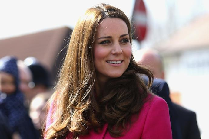 Kate Middleton could be induced, as her due date has passed http://t.co/5ogMKaJXhT http://t.co/laH5AXsgUC