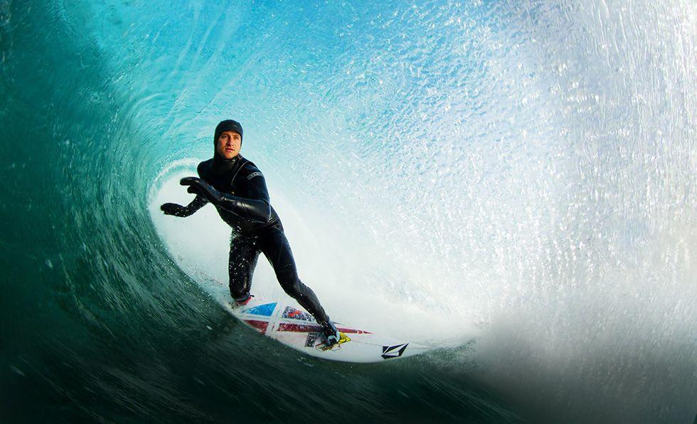 Surf sostenibile: tavole da sruf prodotte con le alghe senza schiuma di poliuretano o polistirene