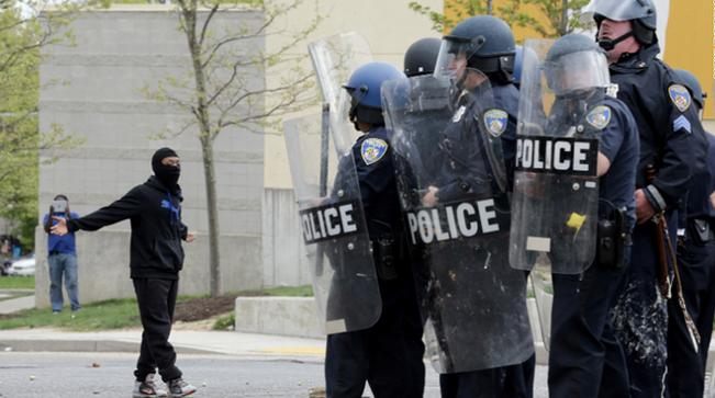 RT @GlobalGrind: Live stream: On the scene in #Baltimore http://t.co/dJRsgdjN2T http://t.co/X9J5c9Cji7