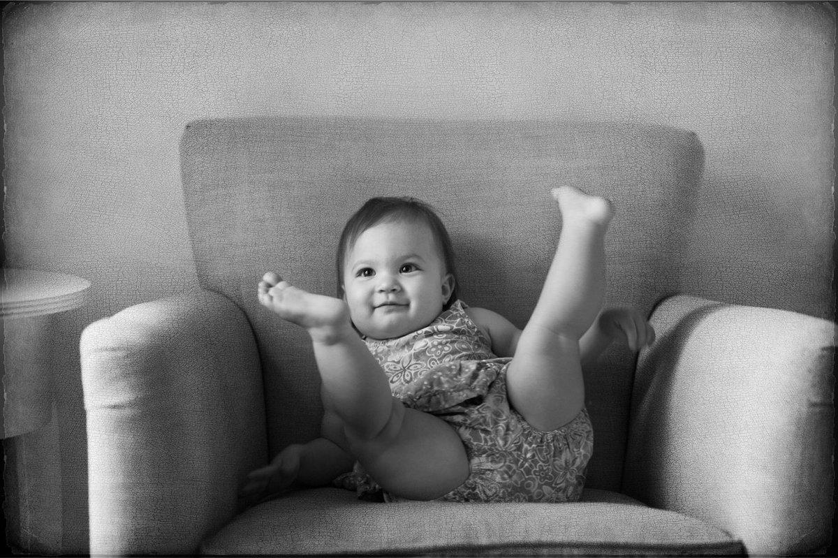 editing latest family pix #adayinthelife #NikonAmbassador #NikonUSA #capturingmemoriesnmilestones http://t.co/v5E7Vk9nqX