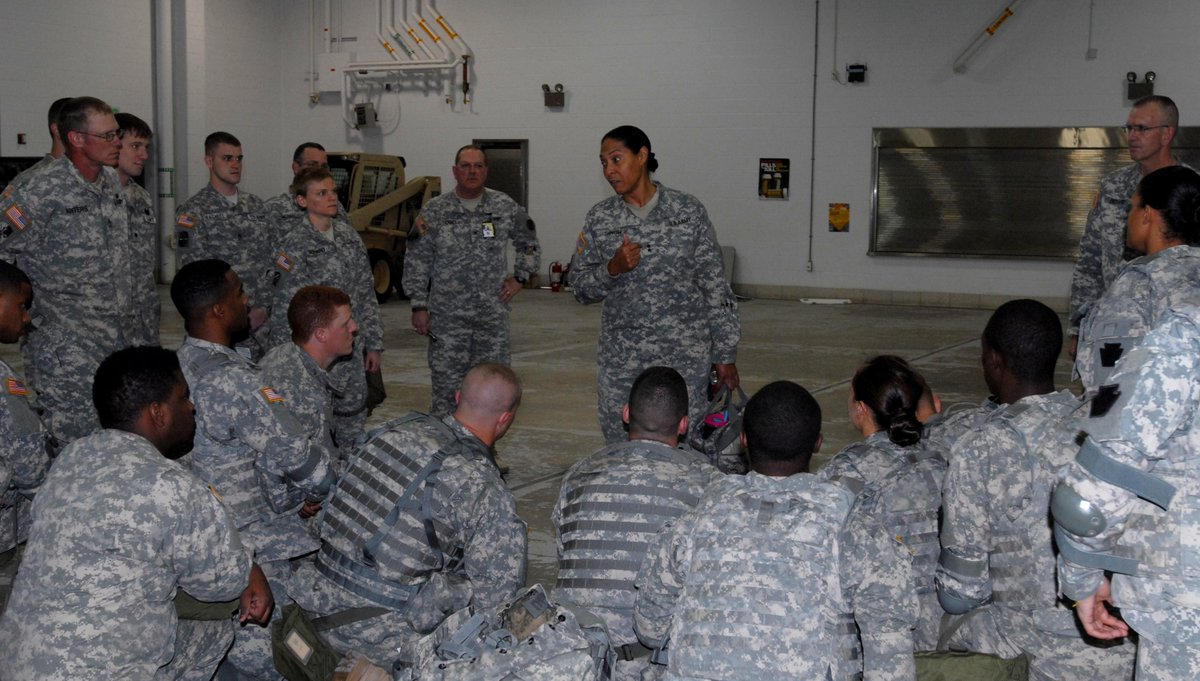 Soldiers from the Maryland @UsNationalGuard prepare for missions in #Baltimore City. +5,000 troops available http://t.co/XhdcZKQMR7