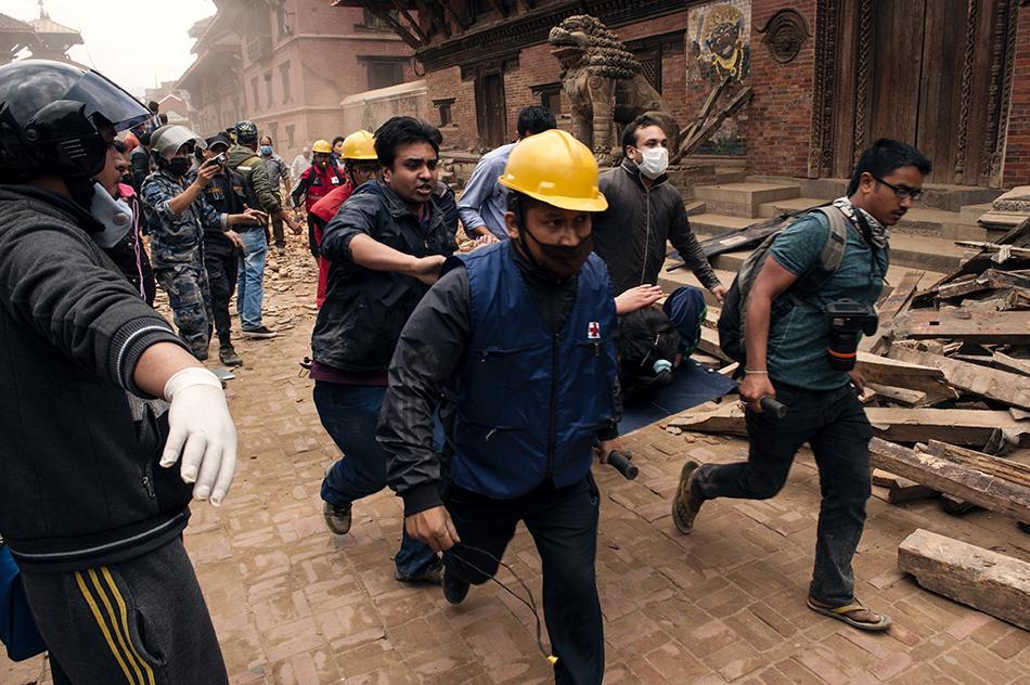 #Nepal: les personnes recherchant leurs proches peuvent s'enregistrer sur http://t.co/86mpnj3O8x Merci de RT http://t.co/6nUSmLfxVV