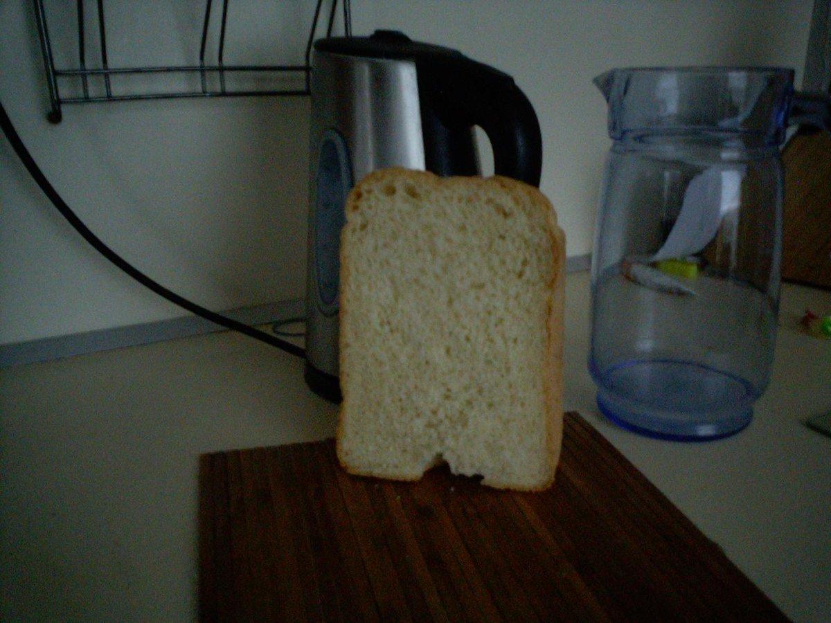 Tesco. Хлеб простой пшеничный