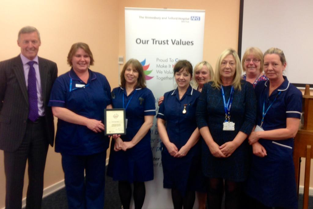 """Members of the Discharge Team are helping our patients by embracing """"Discharge to Assess"""" http://t.co/2oId42Tjoz"""