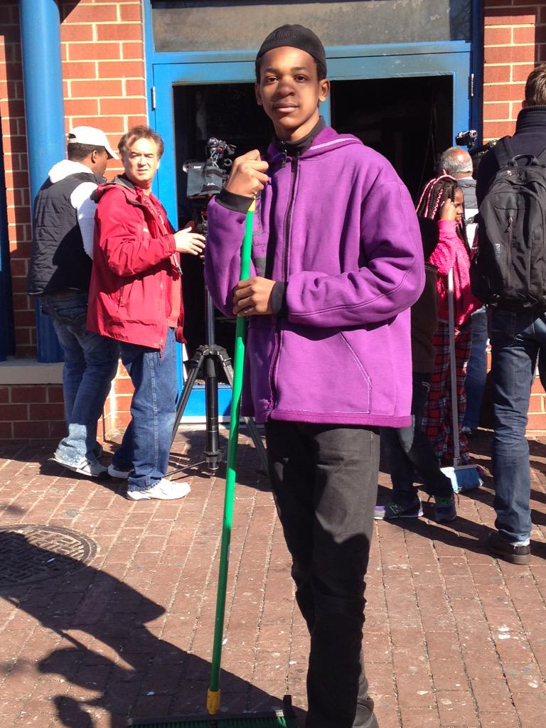 We spoke w this 15 year old who's been out cleaning up in Baltimore. He was disappointed by the events of last night http://t.co/ET8TesOfyb