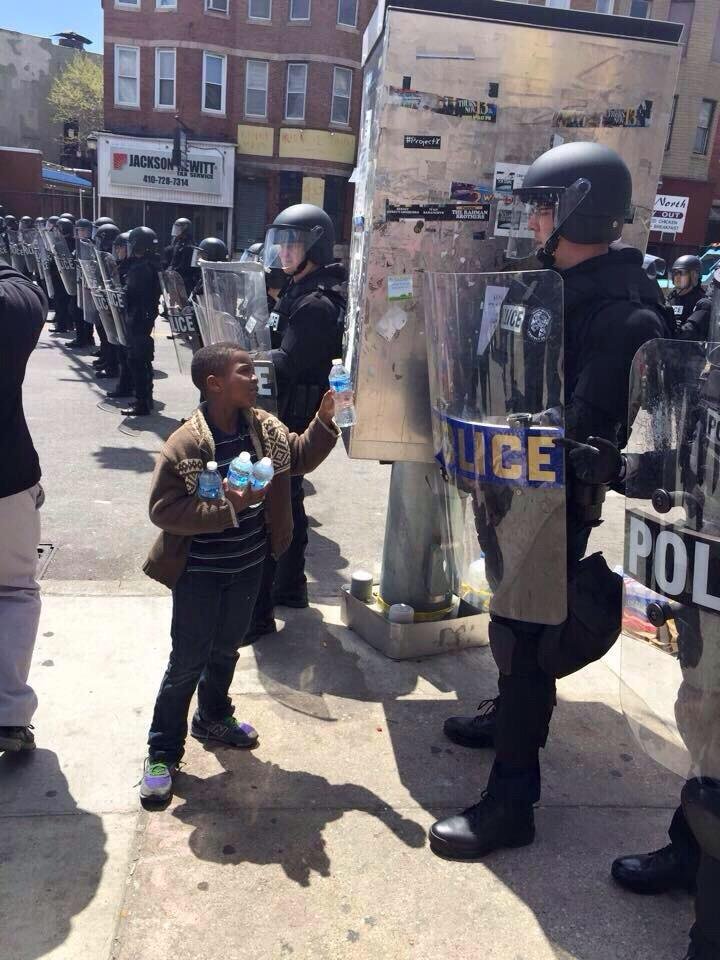 Dont let the #BaltimoreRiots get u twisted on the beautiful city of Baltimore. These are the pictures NOT being shown http://t.co/HQvofRvZqS
