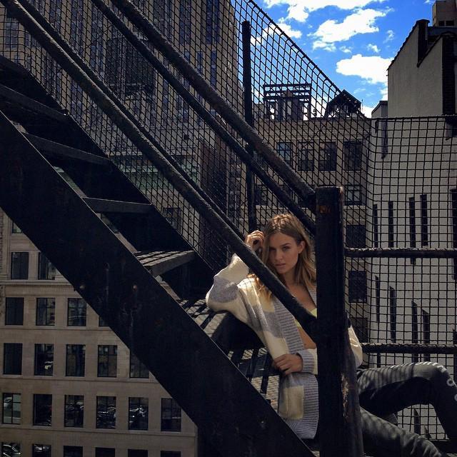 back in NY w/ @victoriassecret http://t.co/TpO7zazT6o