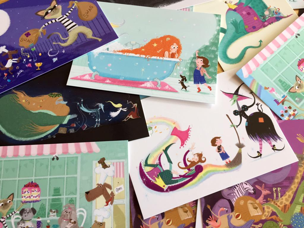✨WIN A SET OF 8 POSTCARDS